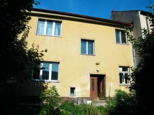 Domy na prodej: Řadový  rodinný dům v Rovensku pod Troskami