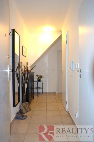 Nabízíme moderní byt 2+1/B/S/PS, o výměře 66 m2