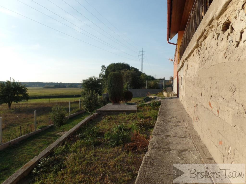 Nabízím exkluzivně  k prodeji RD Dolní Vinice 4+1 na pozemku o celkové výměře 1473 m2.