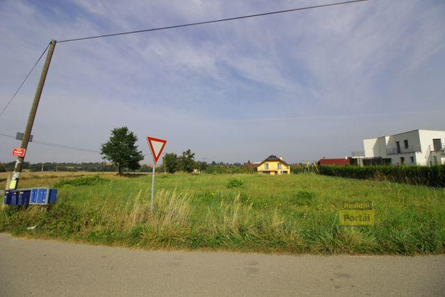 Prodej pozemku 1372m2, PV - Kunice