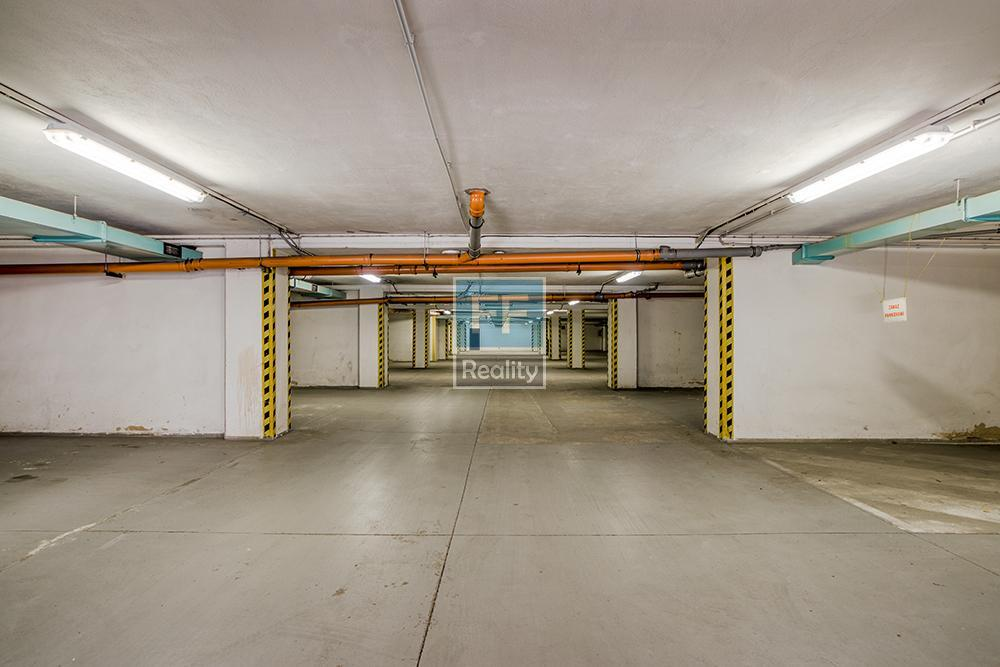 Pronájem kancelářských prostor 20m2 - 800m2 v ul. Přátelství, Praha 10 - Uhříněves.