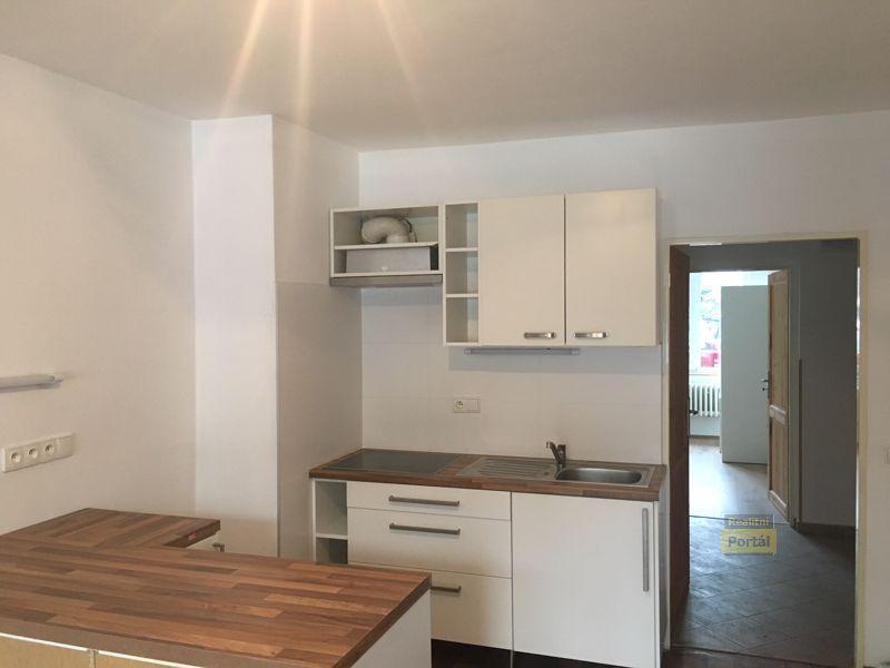 Pronájem bytu 2+kk, 35m2, Praha 8 - Čimice,  předzahrádka