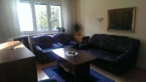 Bez realitky: Pronájem zařízeného bytu 2+1, 54m2, v Malešicích, Praha 10