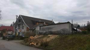 Rodinný dům o 4 bytových jednotkách s hospodou v České Bělé