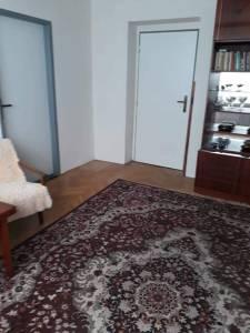 Predám pekný trojizbový byt v centre Vranova nad Topľou.
